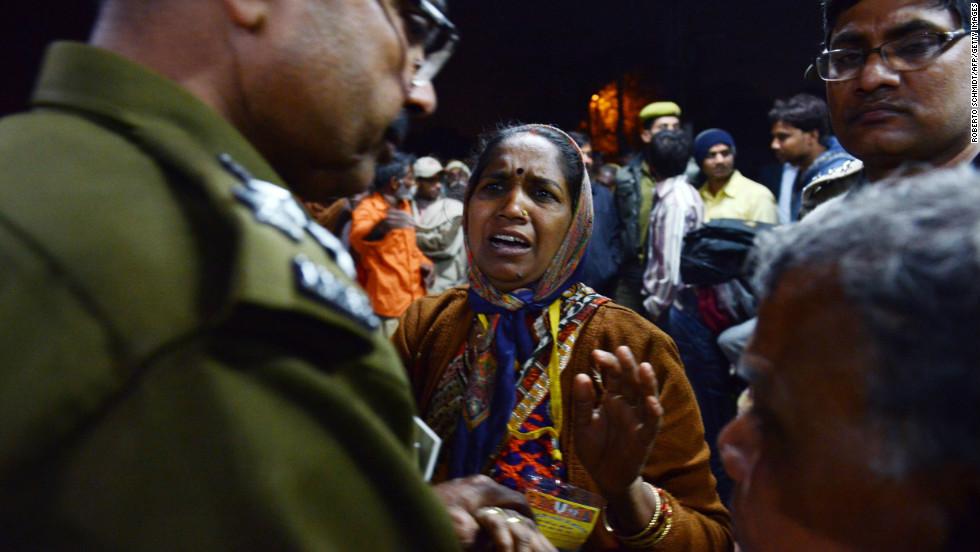 stampede hindu personals Please read the previous post at :   mrs pratibha patil while president pratibha devi singh.