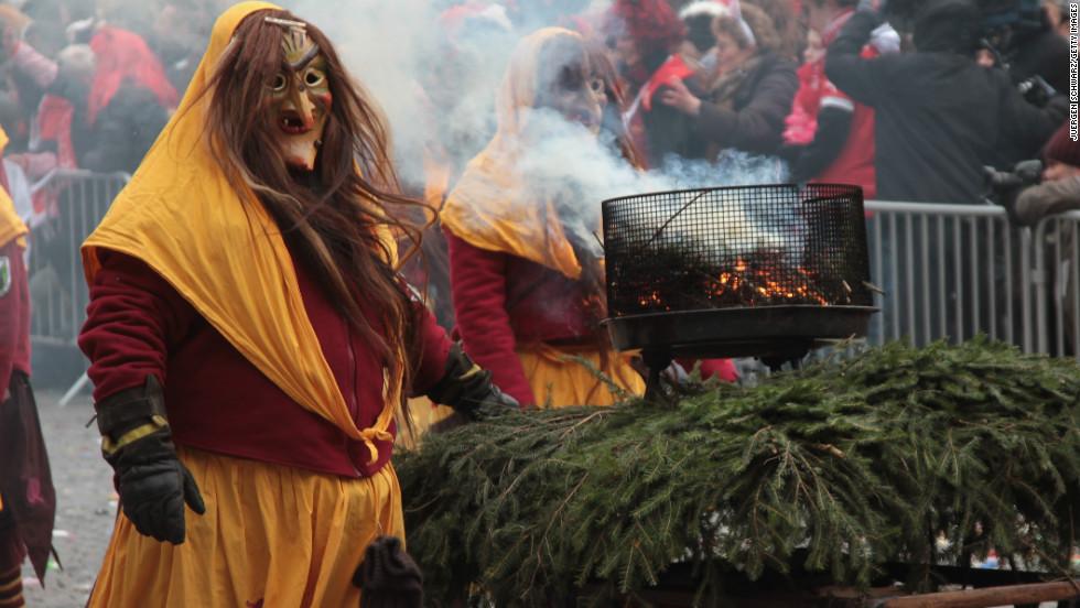 Carnival revelers participate in the annual carnival parade in Düsseldorf.