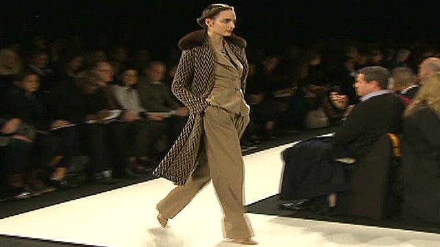 cnnee santana us ny fashion week carolina herrera_00003928.jpg