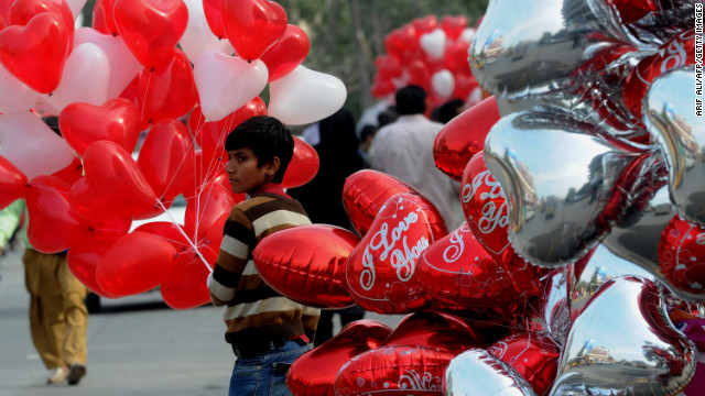 A Pakistani vendor sells heart shaped balloons on Valentine's Day in Lahore on February 14, 2013. Pakistan's media regulator Wednesday asked  television and radio stations to avoid offending religious sentiments and corrupting the nation's youth in their Valentine's Day broadcasts.  AFP PHOTO/Arif ALI        (Photo credit should read Arif Ali/AFP/Getty Images)