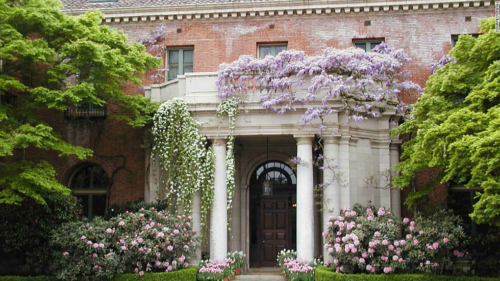 Mr. and Mrs. William Bowers Bourn, residents of San Francisco whose fortune came from gold and water, built Filoli as their country home.
