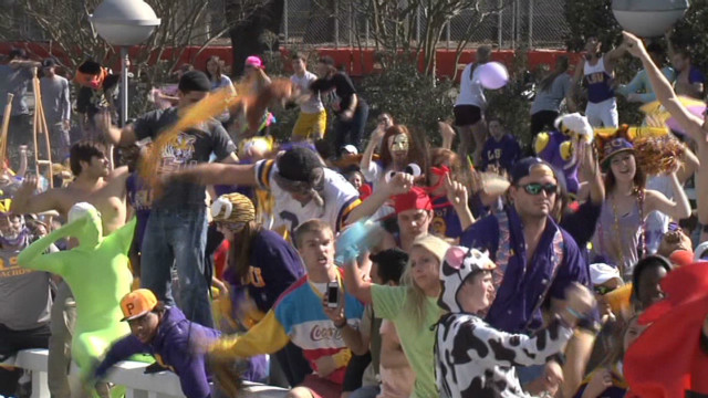 LSU students flash mob