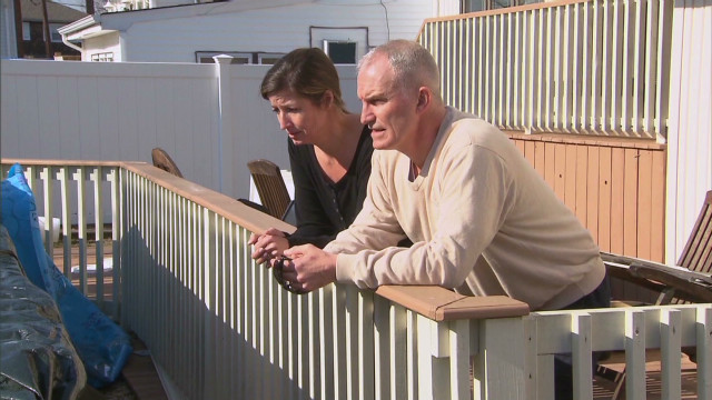 Sandy victims struggle for assistance