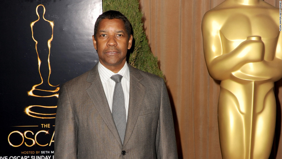 Denzel Washington is still a bona fide sex symbol at 59.