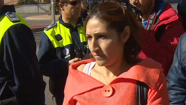 Spain: Unemployed woman fights eviction