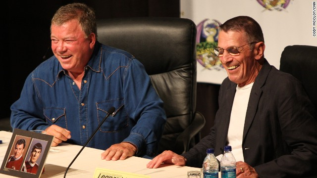 William Shatner and Leonard Nimoy at Atlanta's Dragon*Con in 2009.
