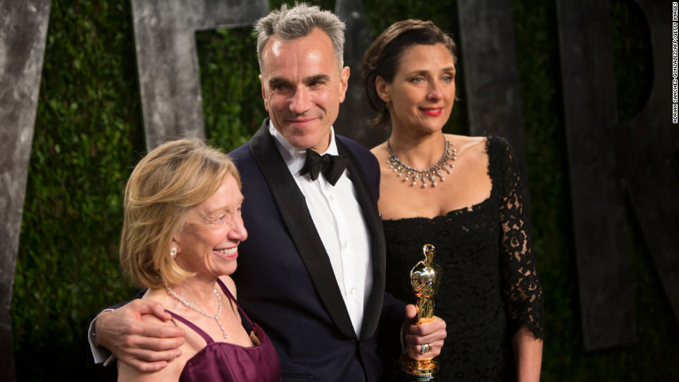 Daniel Day Lewis, center, at the 2013 Vanity Fair Oscar party.