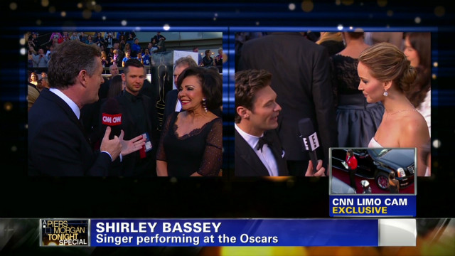 exp pmt shirley bassey oscar red carpet_00002001.jpg