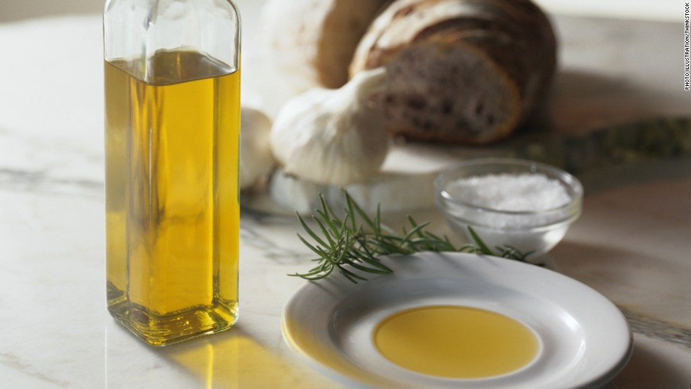 "When you cook your veggies or low fat poultry and fish, try olive oil. It should be your go-to oil. <a href=""http://www.ncbi.nlm.nih.gov/pubmed/25961184"" target=""_blank"">Earlier studies</a> have shown people have improved cognitive function using it. <a href=""http://www.ncbi.nlm.nih.gov/pubmed/24454759"" target=""_blank"">Considered a healthy fat</a>, it has antioxidants, and can also reduce the risk of heart disease and has been shown to prevent the spread of cancer cells, <a href=""http://www.ncbi.nlm.nih.gov/pubmed/24918476"" target=""_blank"">earlier studies show. </a>"