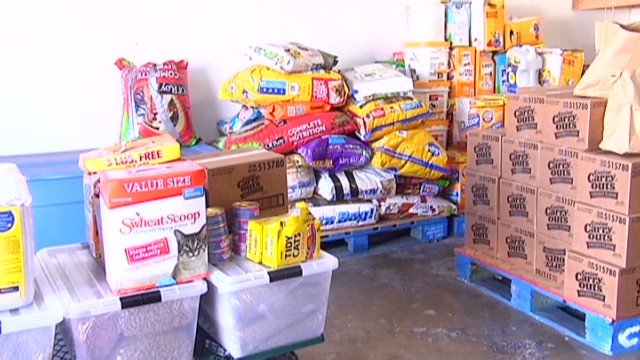 dnt pet food bank_00002120.jpg