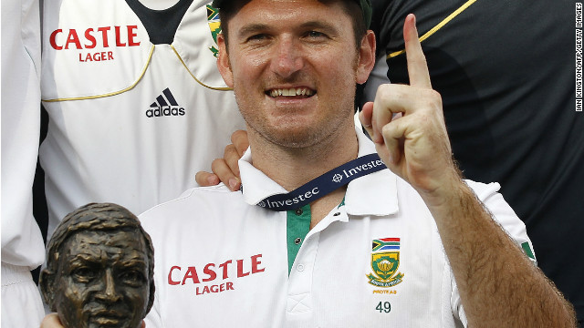 South African captain Graeme Smith took his team to No.1 in the Test rankings after a crucial victory over England in 2012.