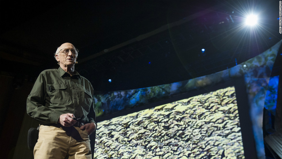 Stewart Brand is organizing an effort to use DNA to recreate extinct species.