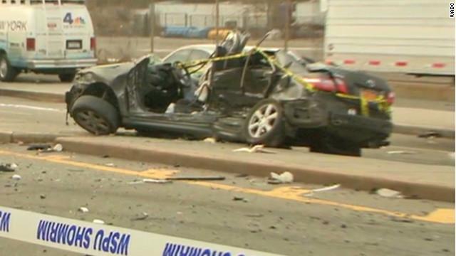 Baby delivered after fatal crash dies