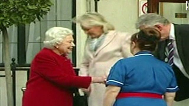 Queen Elizabeth leaves hospital