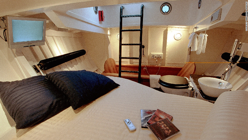 The converted lifeboat hotel offers a romantic nautical getaway for couples, including a two-person bath. Breakfast is delivered at 8am and includes baked buns, boiled eggs, fresh orange juice, cheeses, meats and jams.