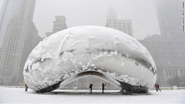 Chicago paralyzed by snowstorm