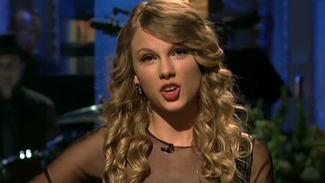 Taylor Swift takes aim at Fey, Poehler