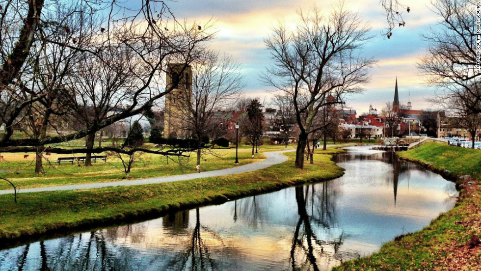 America 39 s best small town comebacks Best small towns to live in usa