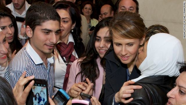 According to the official Facebook page of the Syrian president, his wife (Asma), three children and cousins, took part in an event at the Damascus Opera House for Mother's Day, March 21.