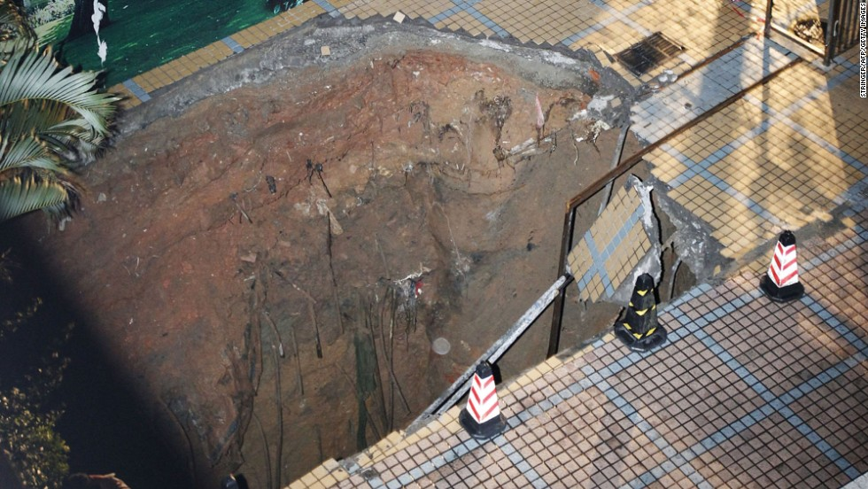 A sinkhole killed a guard at a construction site in Shenzhen, China, on March 27. The sinkhole might have been caused by heavy rains and the collapsing of old water pipes running beneath the surface, the Shenzhen Special Zone Daily reported.
