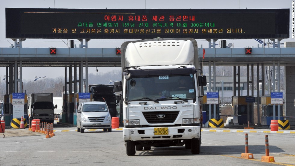 A truck drives back toward Paju.