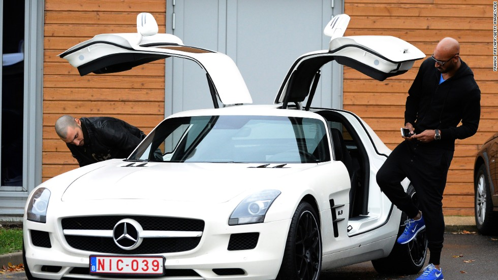 Former Chelsea star Nicolas Anelka prefers a rather more stylish approach with this Mercedes model.