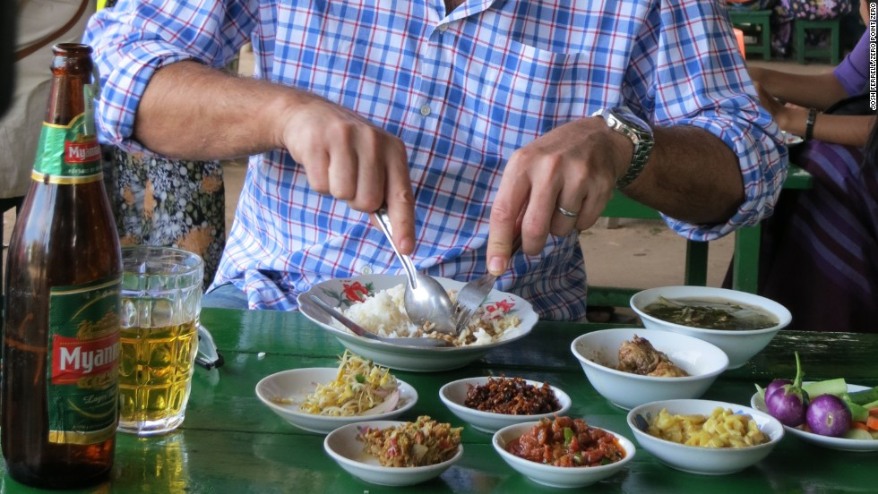 Anthony Bourdain tries the chicken curry at Sarabha, in Old Bagan.