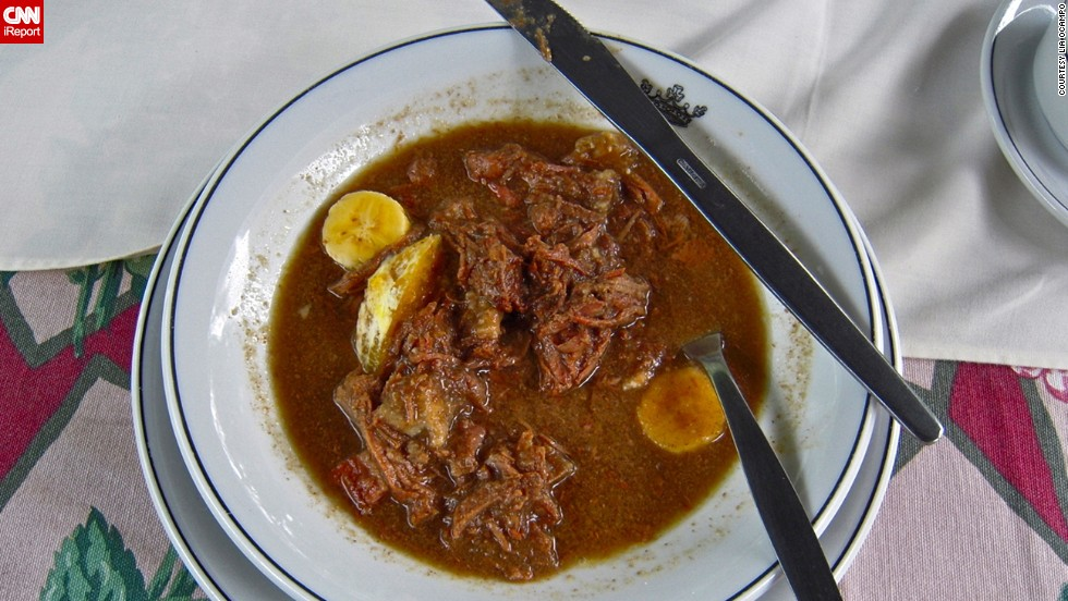 "<a href=""http://ireport.cnn.com/docs/DOC-951873"">George Kreif</a> says his fondest food memory while traveling through Brazil was having Barreado at the restaurant Armazem Romanus in southern part of the country. Barreado is a traditional Sunday dinner favorite. One of the main courses consists of a beef dish that is slow cooked over low heat for 20 hours and served alongside rice, manioc, plantains and gravy."
