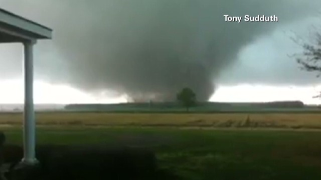 Man's camera catches tornado fury