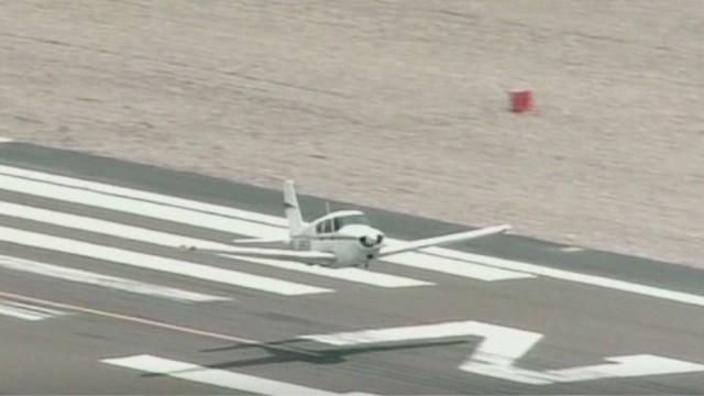 exp point small plane landing_00002905.jpg