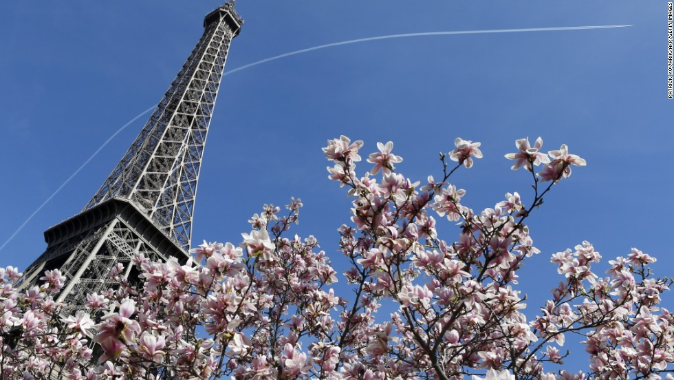 "How can 10,000 tons of iron be revered as a romantic icon? Because of the city that surrounds it. Kissing under the Eiffel Tower is a rite of passage for couples in Paris, even though it recently <a href=""http://edition.cnn.com/2014/01/20/travel/london-beats-paris-tourist-city/index.html"">lost out to London as a top tourist destination</a>."