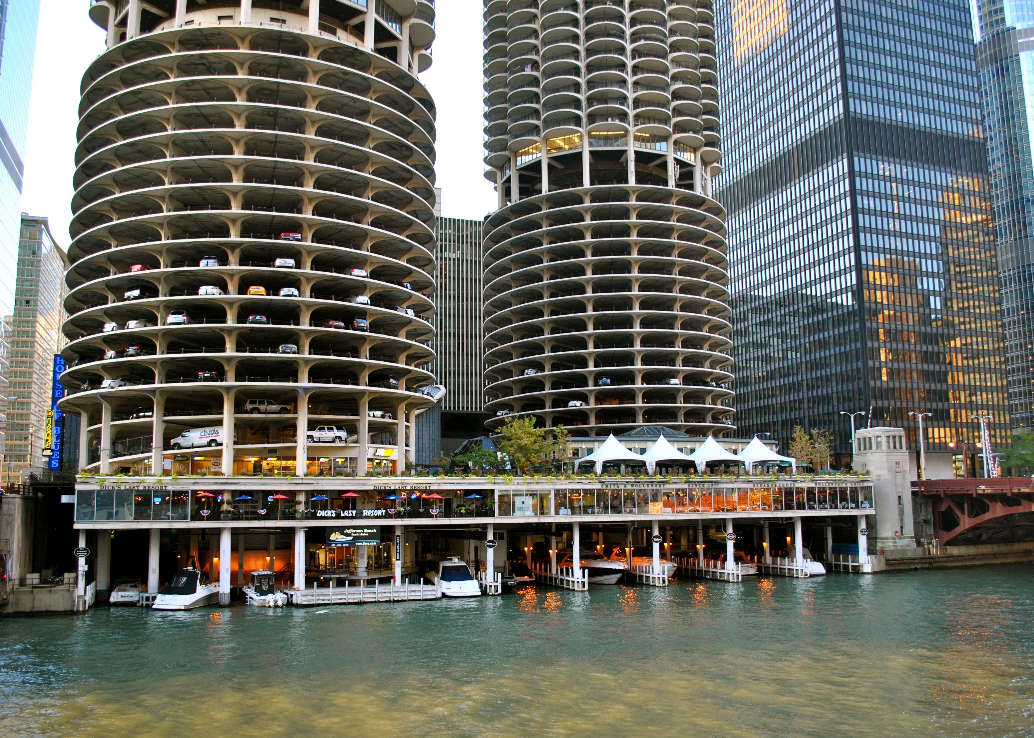 130415102909-tours-chicago-architecture