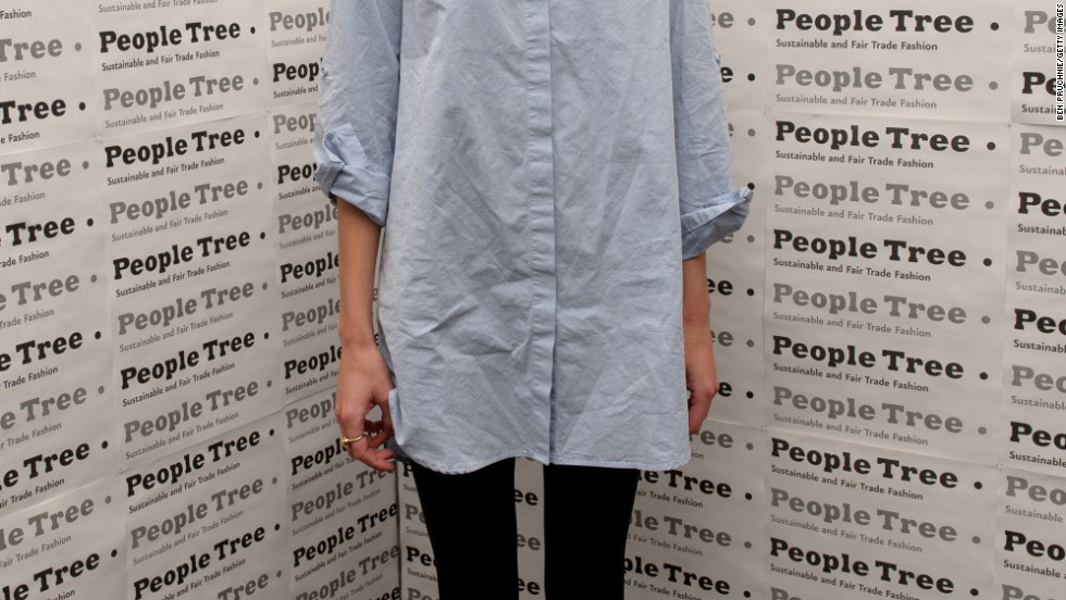 Fashion icon Alexa Chung is no stranger to leggings. Here, their slim silhouette balances out her oversized top.