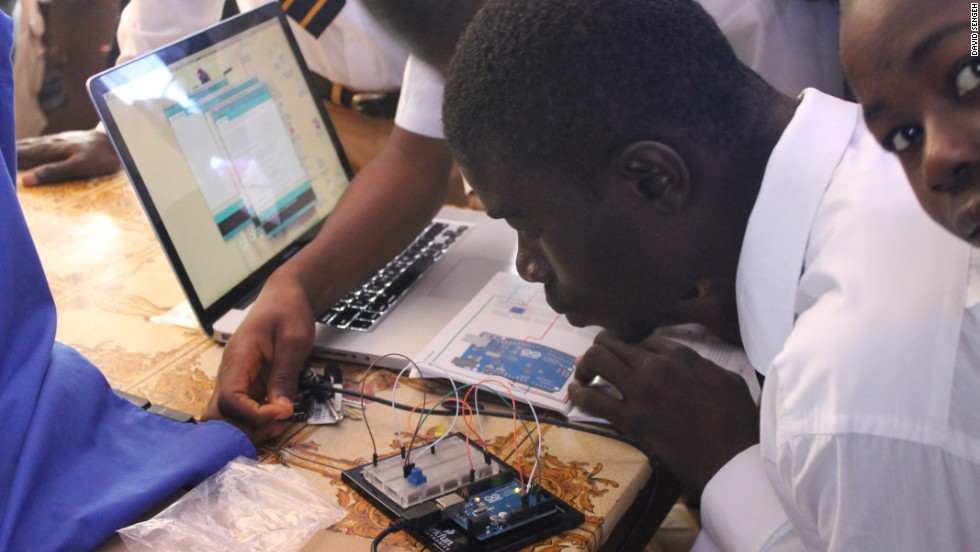Through a competition, Innovate Salone finances education programs in Sierra Leone, covering everything from electronics to farming.