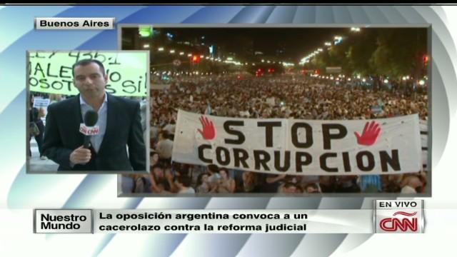cnnee jose manuel rodriguez argentina protest cacerolas_00003216.jpg
