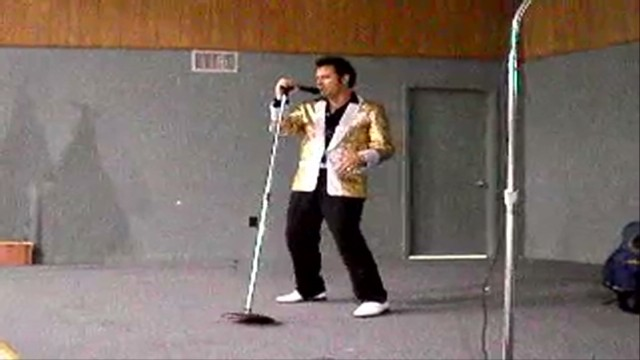 Elvis impersonator arrested in ricin scare