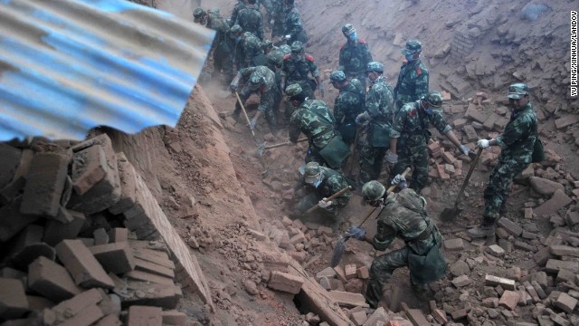 Quake strikes China's Sichuan province