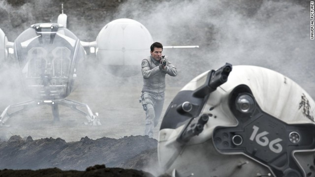 "Tom Cruise stars as Jack Harper in Universal Pictures' ""Oblivion."""