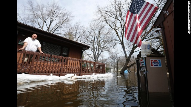 Four deaths blamed on Midwest flooding