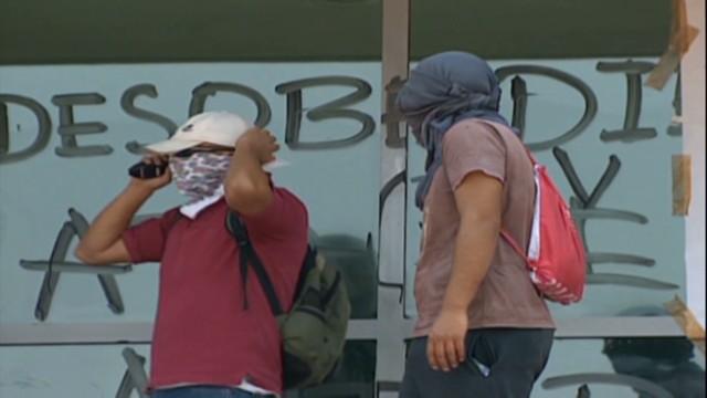 cnnee rodriguez mexico unam protest_00013418.jpg