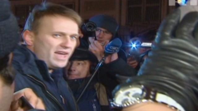 Putin critic's trial resumes in Russia