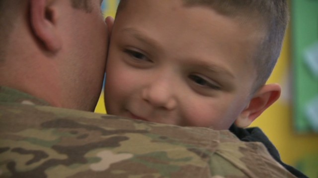vosot navy sailor surprises son in school_00003402.jpg