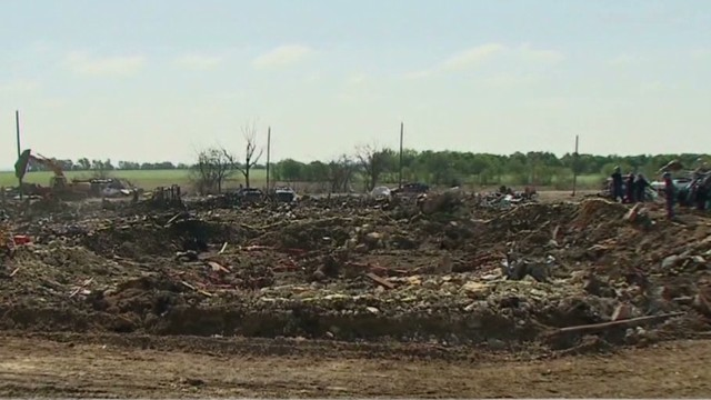 Texas blast leaves nearly 100-foot crater