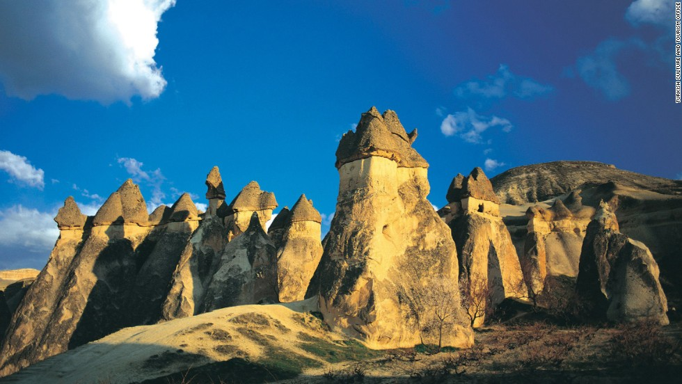 Sculpted by erosion, the Goreme valley and its surroundings contain rock-hewn sanctuaries that provide unique evidence of Byzantine art in the post-Iconoclastic period. Underground towns dating to the 4th century can be observed.