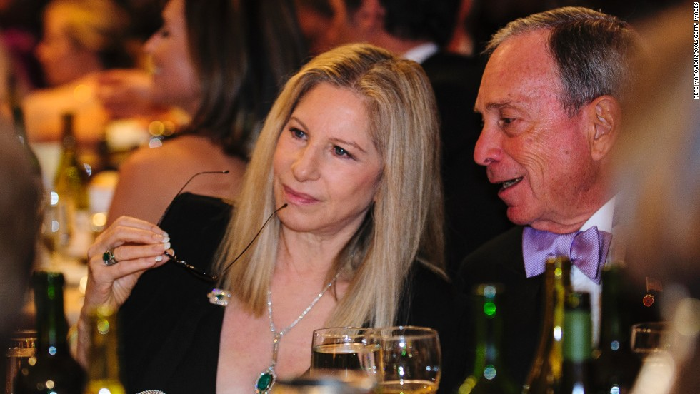 Barabara Streisand and New York Mayor Michael Bloomberg chat during the dinner.