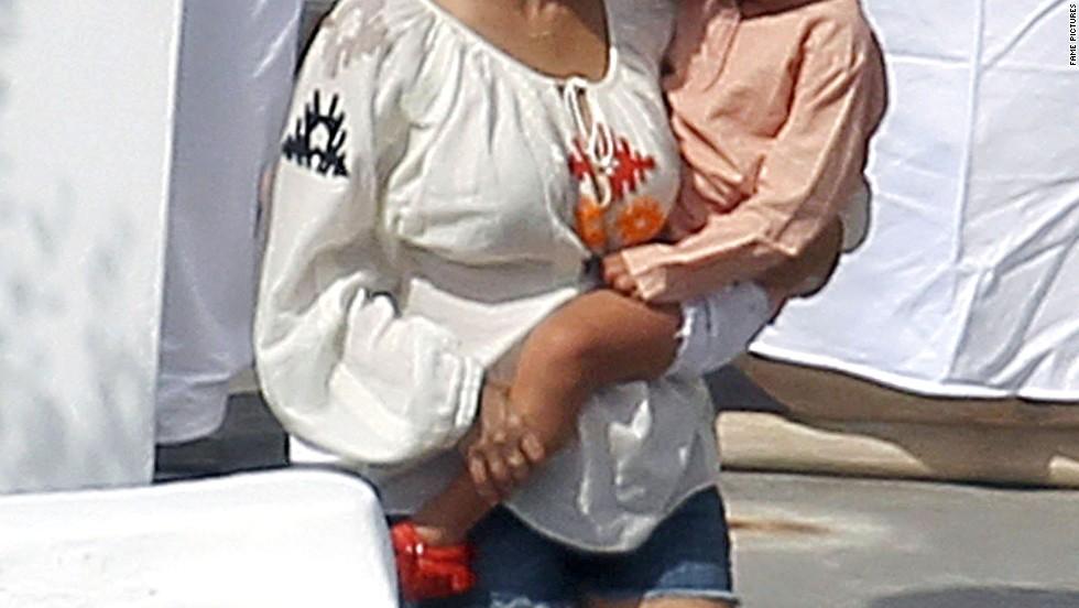 Kourtney Kardashian vacations in Greece.