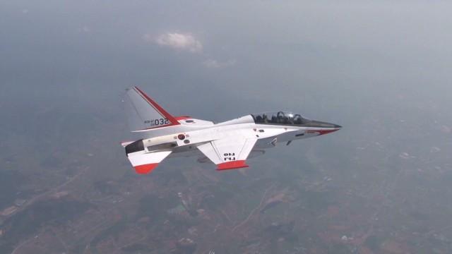 Co-piloting South Korea's supersonic jet