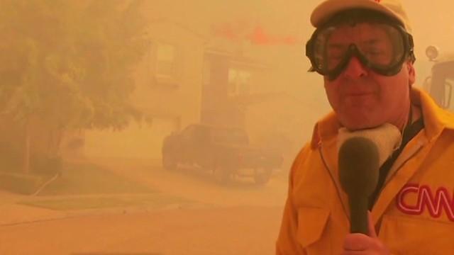 Wildfire threatens million-dollar homes