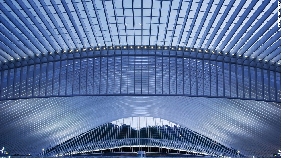 During the Liège-Guillemins Station's 10-year construction period, the trains to and from Liège were never shut down.