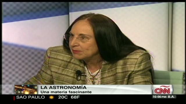 cnnee cala fierro astronomer intvw_00045023.jpg